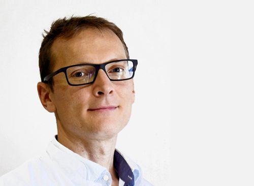 Dr Bartlomiej Jarnot 500x366 - HTC